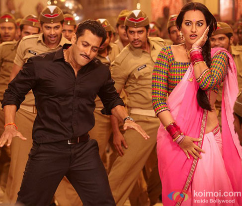Salman Khan and Sonakshi Sinha in Pandey Jee Seeti song Dabangg 2 Movie Stills