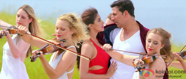 Akshay Kumar and Asin in Saari Saari Raat Song in Khiladi 786 Movie Stills