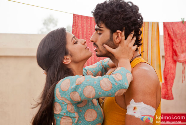 Arjun Kapoor and Parineeti Chopra in a still from Ishaqzaade Movie