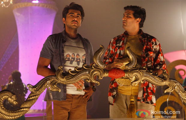 Ayushmann Khurrana and Kunaal Roy Kapur in a still from Nautanki Saala Movie