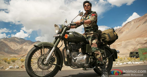 Shah Rukh Khan in a still from Jab Tak Hai Jaan Movie