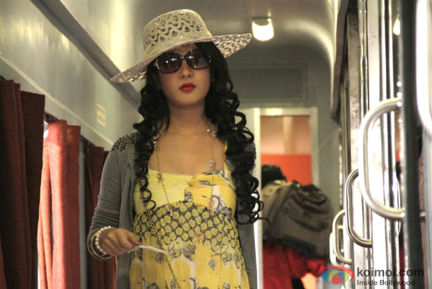 Puja Bose in Koi Umeed Song in Rajdhani Express Movie Stills