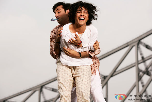 Ranbir Kapoor and Priyanka Chopra in a still from Barfi! Movie