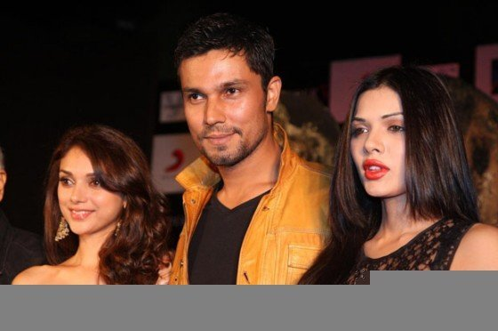 Aditi Rao Hydari, Randeep Hooda And Sara Loren at the film Murder 3 first look launch Pic 2
