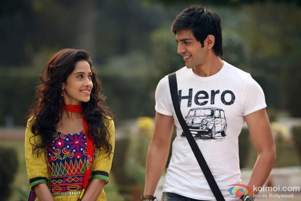Akaash Vani Review (Akaash Vani Movie Stills)
