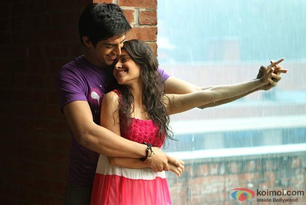 Kartik Tiwari and Nushrat Bharucha in a still from Akaash Vani Movie