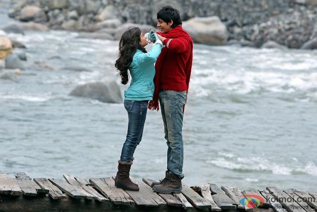 Nushrat Bharucha and Kartik Tiwari in Bas Main Aur Tu Song in Akaash Vani Movie Stills
