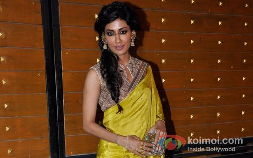Chitrangada Singh At Walk The Red Carpet Of Filmfare Awards 2013