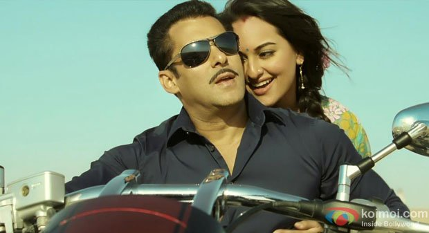 Salman Khan and Sonakshi Sinha in a still from Dabangg 2 Movie