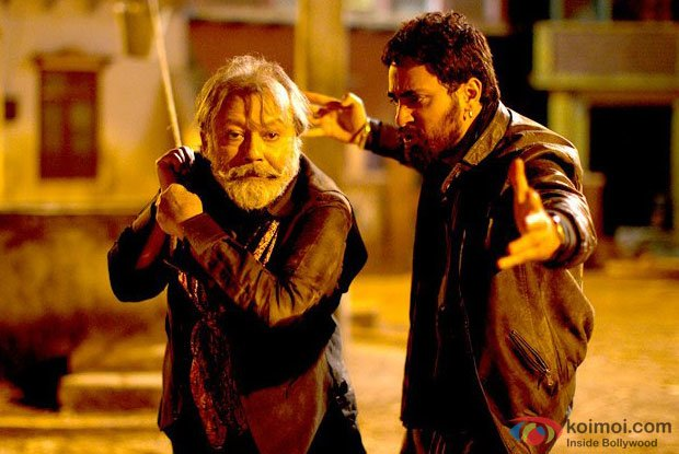 Pankaj Kapur and Imran Khan in a still from Matru Ki Bijlee Ka Mandola Movie