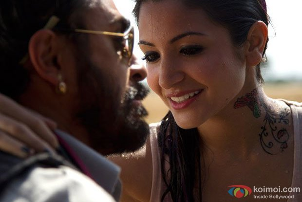 Imran Khan and Anushka Sharma in a still from Matru Ki Bijlee Ka Mandola Movie