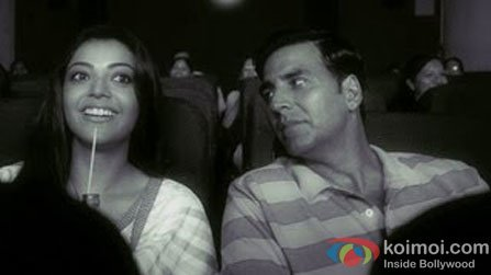 Kajal Aggarwal and Akshay Kumar in a still from Mujh Mein Tu Song in Special Chabbis (26) Movie