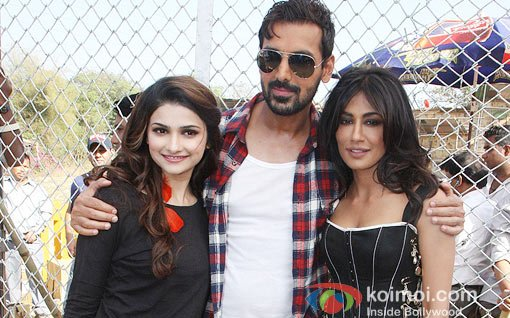 "Prachi Desai, John Abraham And Chitrangada Singh At shooting for film ""I Me Aur Main"""