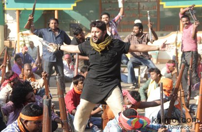 Arshad Warsi in Ye Hai Zila Ghaziabad Song in Zila Ghaziabad Movie Stills
