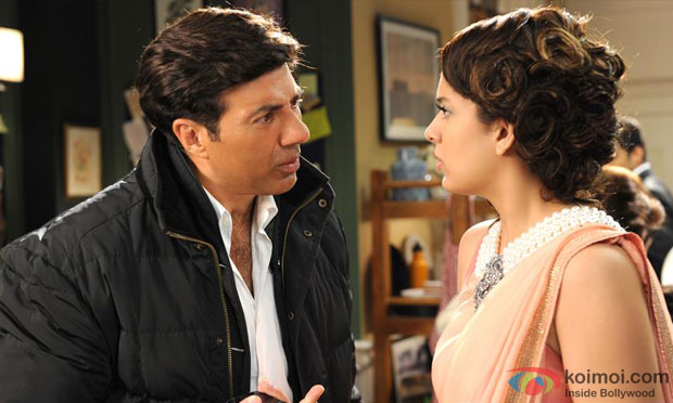 Sunny Deol and Kangana Ranaut in a still from I Love New Year Movie