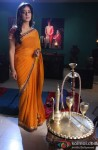 Mahie Gill Promotes Saheb Biwi Aur Gangster Returns on the sets of Hum Ne Li Hai Shapath Serial Pic 3