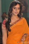 Mahie Gill Promotes Saheb Biwi Aur Gangster Returns on the sets of Hum Ne Li Hai Shapath Serial Pic 1
