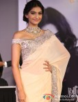 "Sonam Kapoor at the ""India International Jewellery Week"" Pic 1"