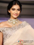 "Sonam Kapoor at the ""India International Jewellery Week"" Pic 3"