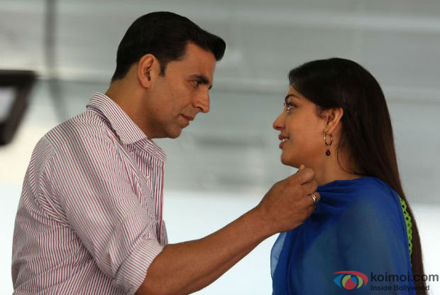 Akshay Kumar and Kajal Aggarwal in a still from Special Chabbis (26) Movie