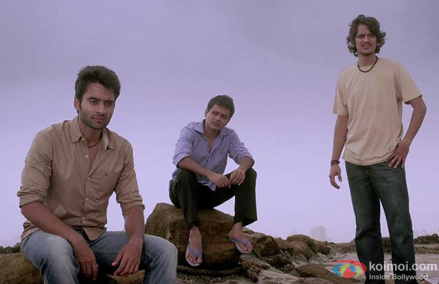 Rangrezz Review (Rangrezz Movie Stills)