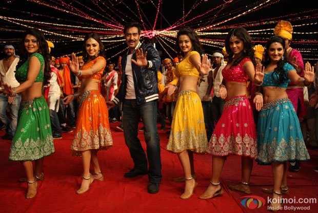 Ajay Devgn in Dhoka Dhoka Item Song in Himmatwala Movie Stills