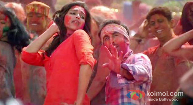 Deepika Padukone And Randhir Kapoor in Yeh Jawaani Hai Deewani Movie Stills
