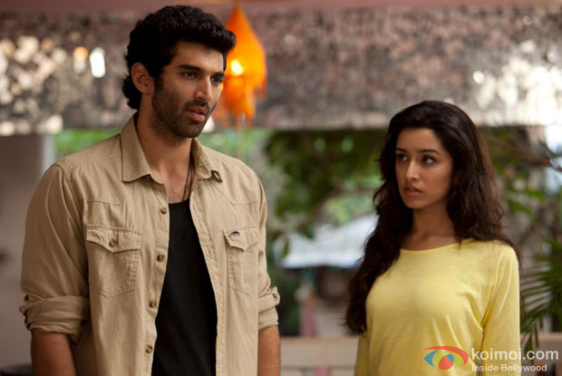 Aditya Roy Kapur and Shraddha Kapoor in Chahun Main Ya Naa song in Aashiqui 2 Movie Stills