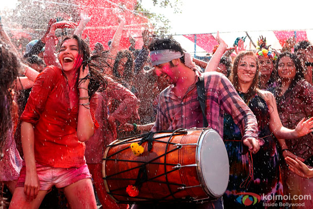 Deepika Padukone and Ranbir Kapoor in Balam Pichkari song in Yeh Jawaani Hai Deewani Movie Stills