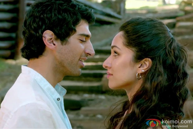 Aditya Roy Kapur and Shraddha Kapoor in Hum Mar Jayenge Song in Aashiqui 2 Movie Stills