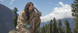 Cute Alia Bhatt Dons 'Kashmiri' Avatar In Highway