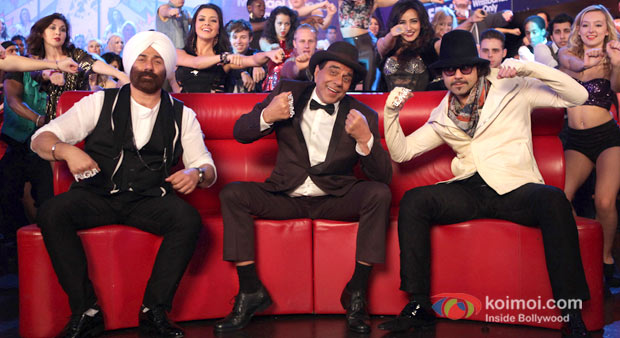 Sunny Deol, Dharmendra And Bobby Deol in Yamla Pagla Deewana 2 Movie Stills