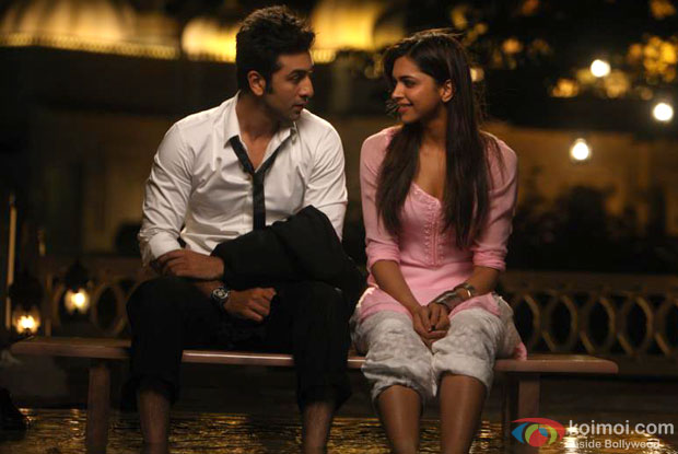 Ranbir Kapoor and Deepika Padukone in a still from Yeh Jawaani Hai Deewani Movie