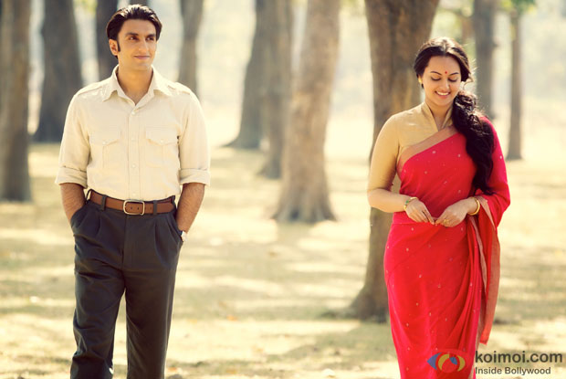 Ranveer Singh and Sonakshi Sinha in a still from Lootera Movie
