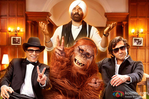 Dharmendra, Sunny Deol and Bobby Deol in a still from Yamla Pagla Deewana 2 Movie