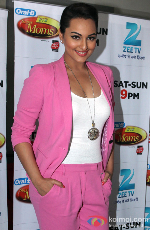 Sonakshi Sinha on the sets of Zee TV reality show DID Super MOM