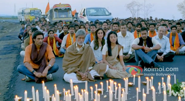 Arjun Rampal, Amitabh Bachchan, Amrita Rao, Kareena Kapoor And Ajay Devgn in Satyagraha Movie Stills