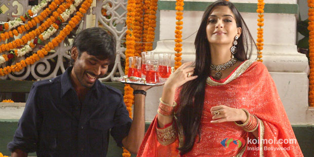 Dhanush And Sonam Kapoor in Raanjhaana Movie Stills