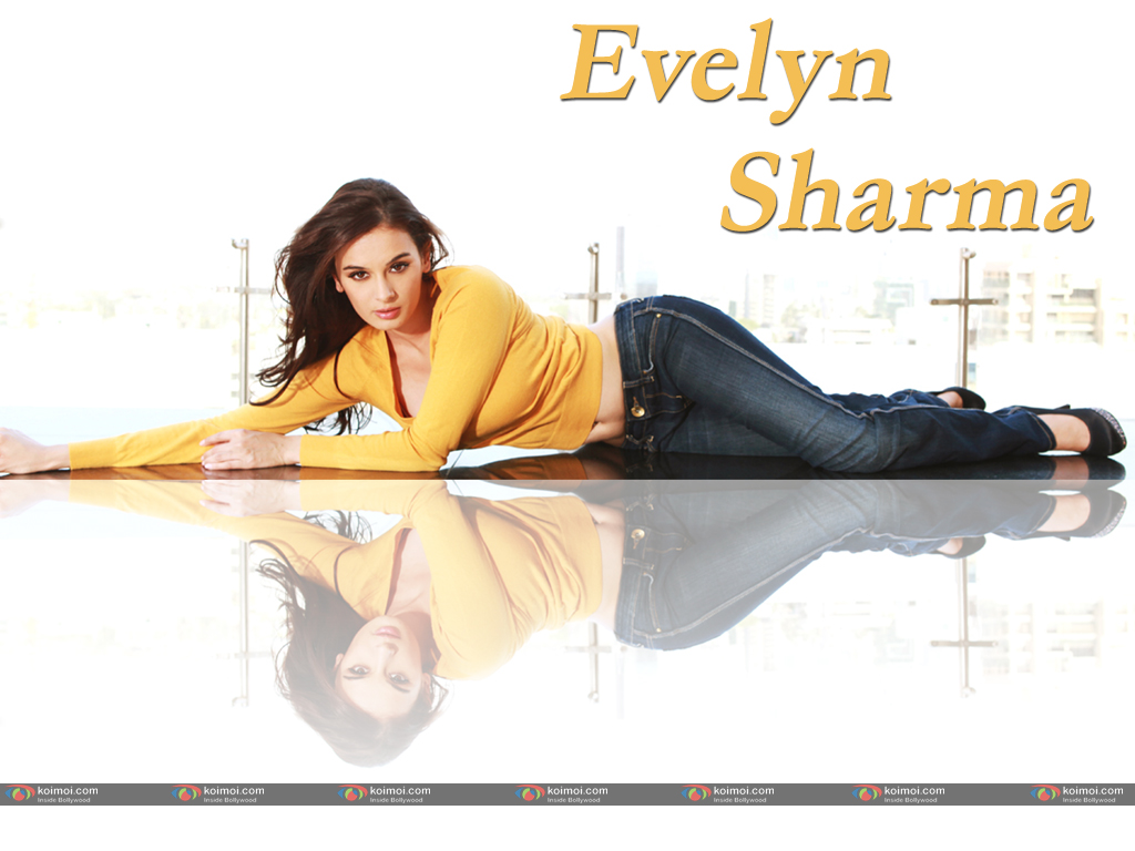 Evelyn Sharma Wallpaper 1