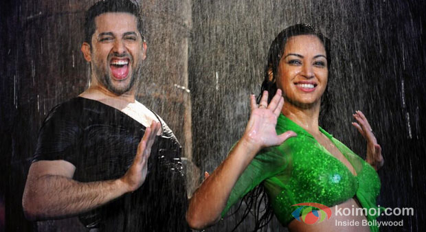 Aftab Shivdasani And Maryam Zakaria in Grand Masti Movie Stills