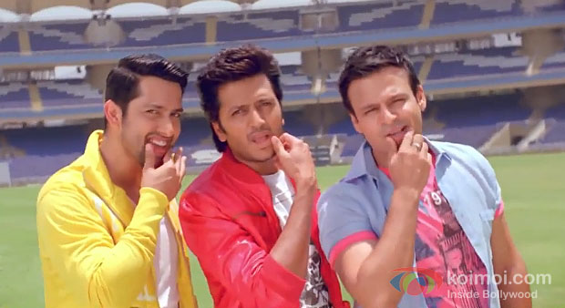 Aftab Shivdasani, Riteish Deshmukh And Vivek Oberoi in Grand Masti Movie Stills