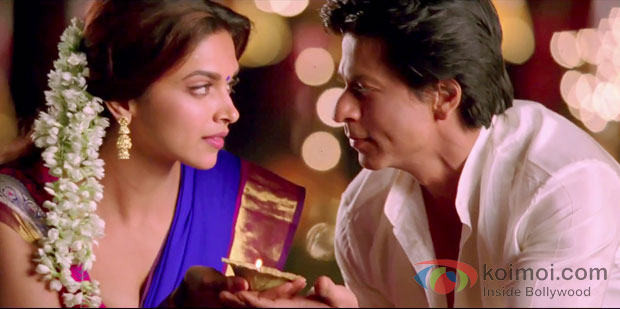 Deepika Padukone And Shah Rukh Khan in Chennai Express Movie Review (Deepika Padukone And Shah Rukh Khan in Chennai Express Movie Stills)