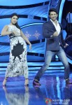 Parineeti Chopra And Sushant Singh Rajput promote Shudh Desi Romance on the sets of 'Dance India Dance' Pic 2