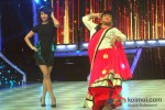 Priyanka Chopra And Bharti Singh Promote 'Zanjeer' on 'Jhalak Dikhla Jaa'