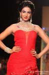 Sonal Chauhan walks the ramp at IIJW 2013