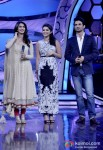 Vaani Kapoor, Parineeti Chopra And Sushant Singh Rajput promote Shudh Desi Romance on the sets of 'Dance India Dance' Pic 3
