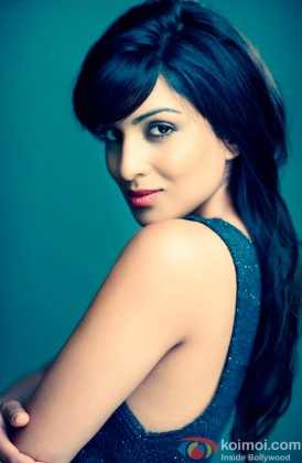 A Sizzling Pallavi Sharda Looks On
