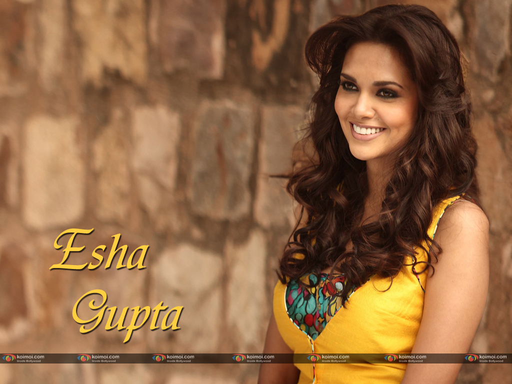 Esha Gupta Wallpaper 1