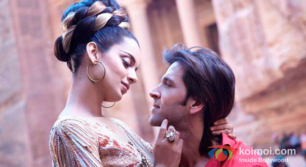 Kangana Ranaut And Hrithik Roshan in Krrish 3 Movie Stills