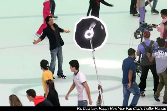 Shah Rukh Khan On the Sets Of Happy New Year Pic 1